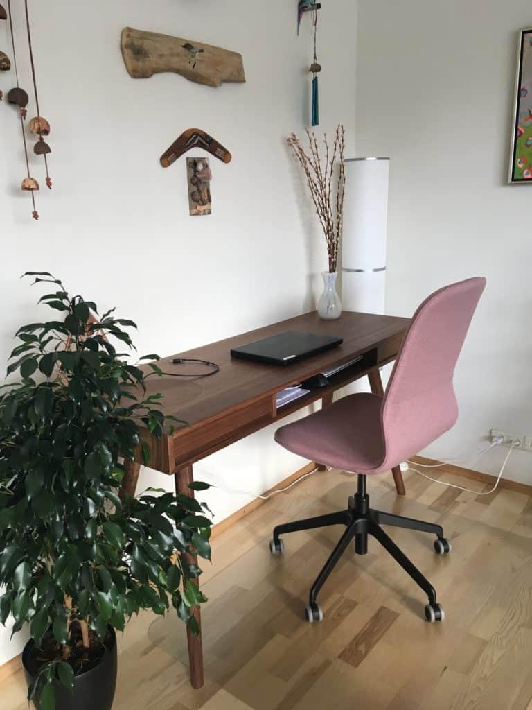 Så kom kontorstolen på plads