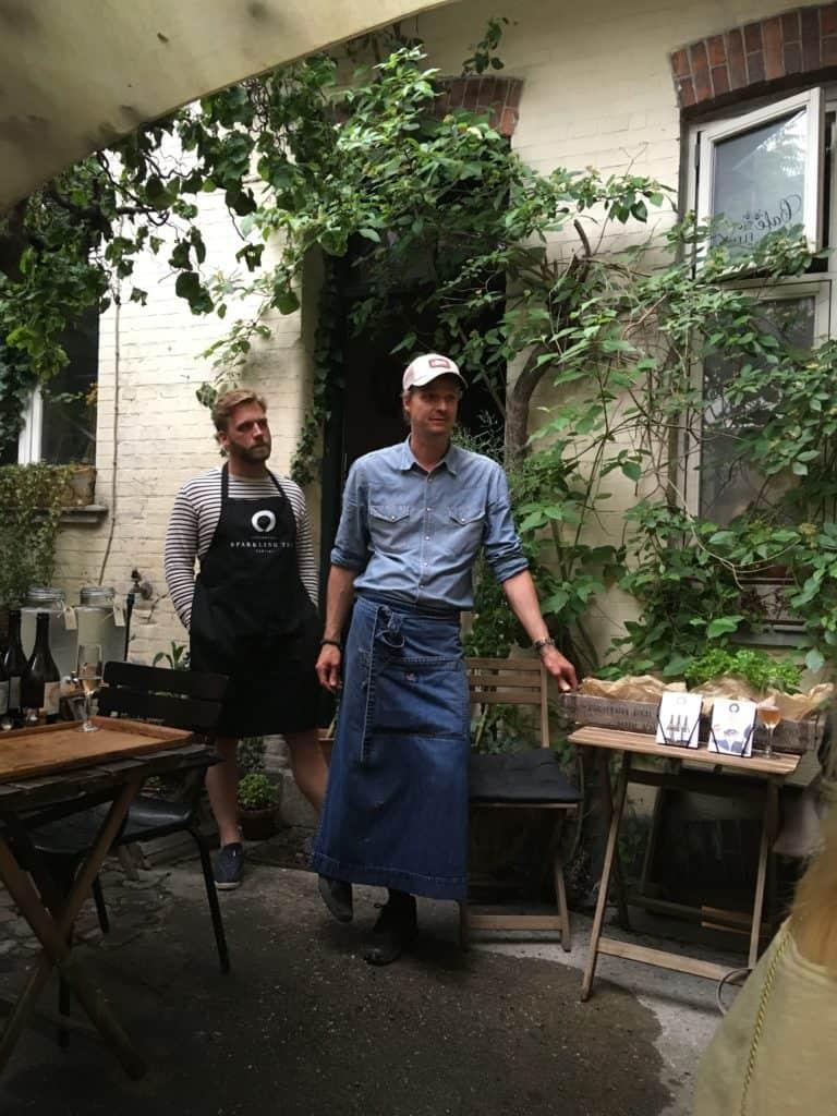 Ulrik fra Cafe Fleuri (i blåt) og Tobias fra Sparkling Tea Copenhagen