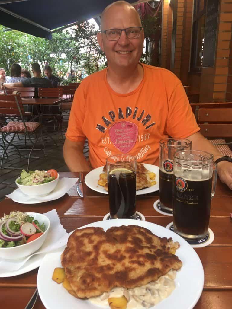 Wienerschnitzel og øl