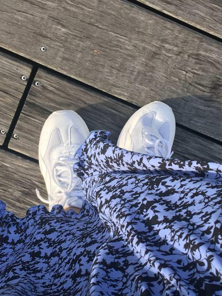 Måske de hvide sneakers skal til julefrokost?