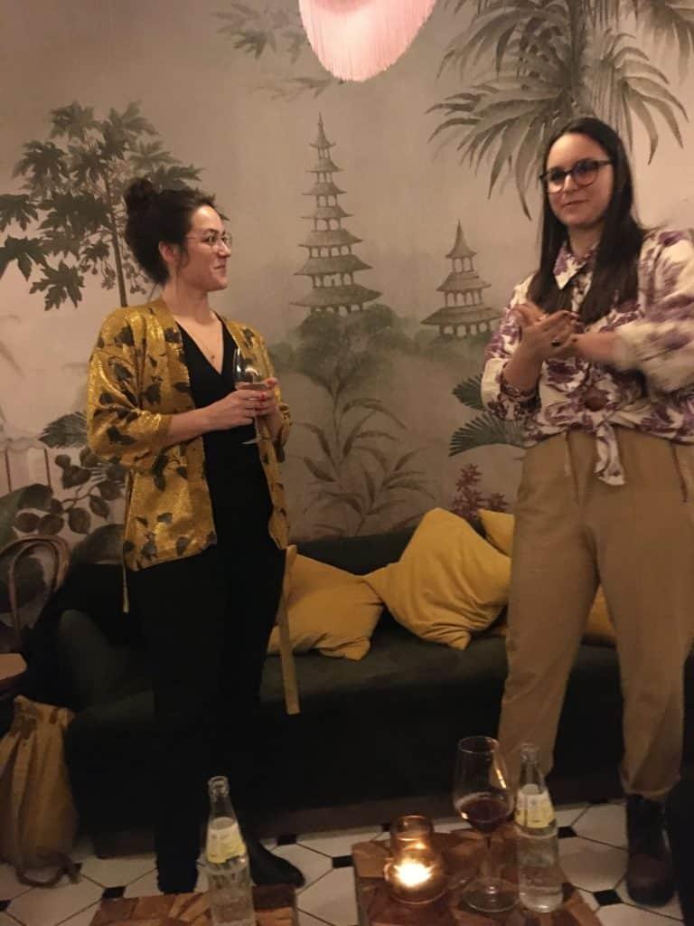 Et par seje kvinder Maiken og Nadia fra Damernes Eventyrklub