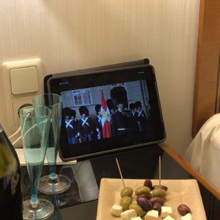Klar til nytårsaften i Hamburg og Dronningens nytårstale på hotelværelset