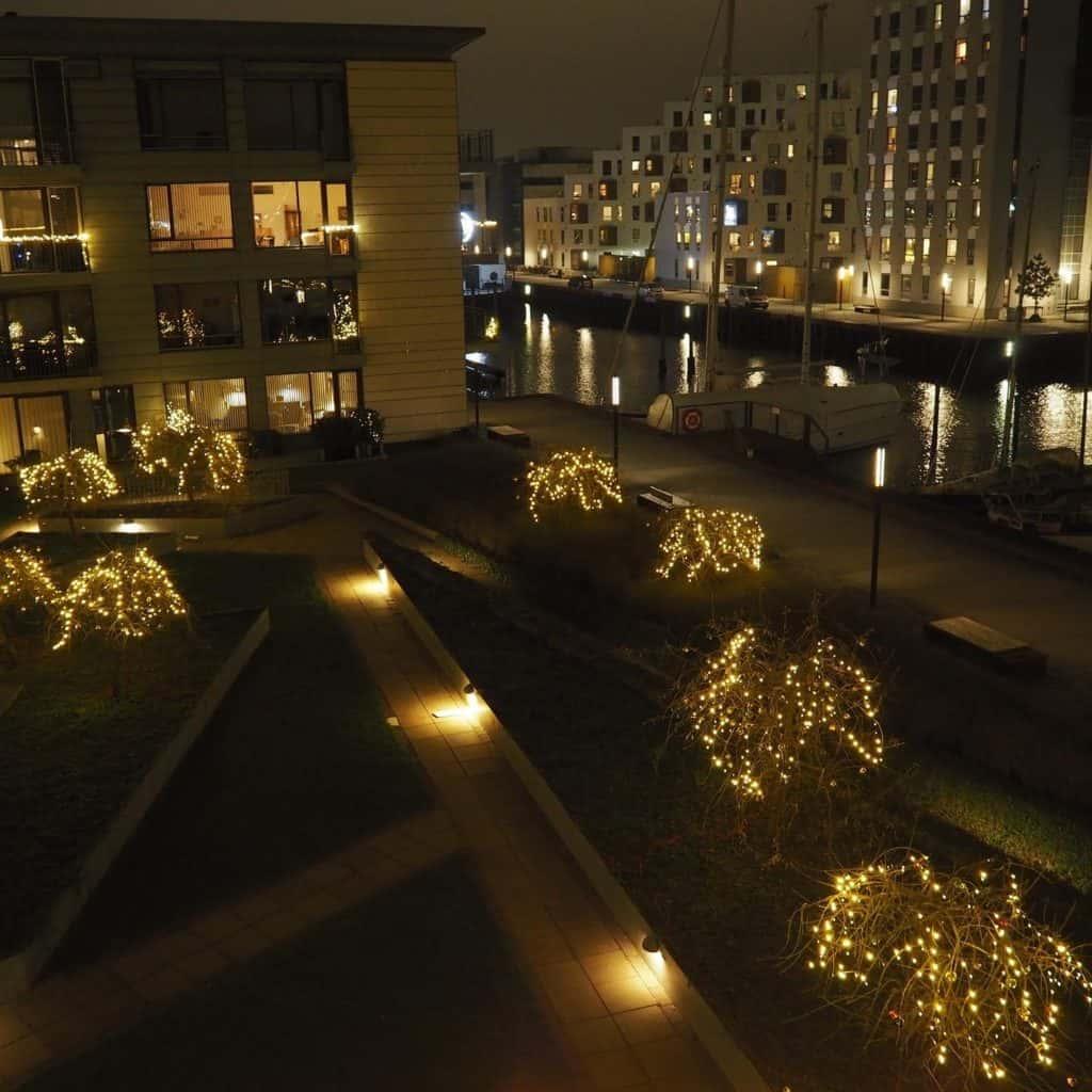 Havnehaven med lys på