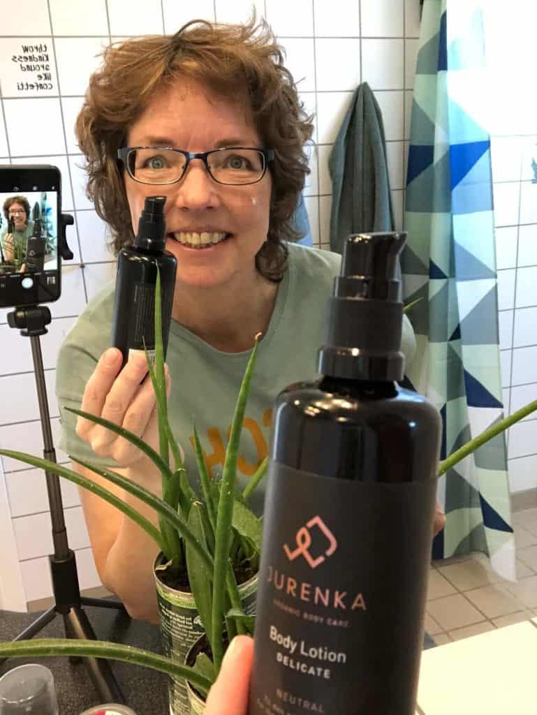 Der laves Jurenka selfie på badeværelset