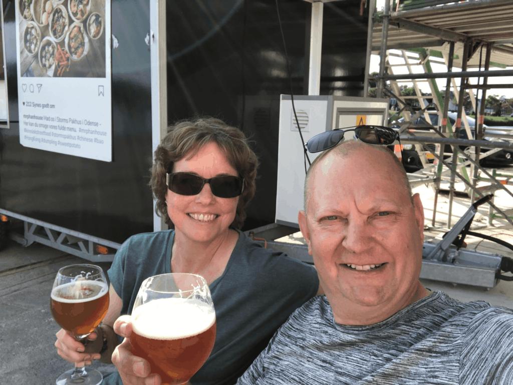 En lille øl på Munkebo Brewery på Odense havn Sct Hans aften