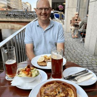 Schnitzel og mørbradbøffer på Brauhauset