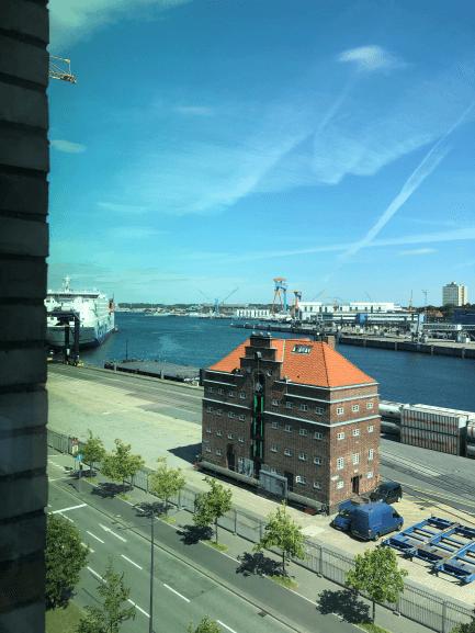 Udsigten fra vores hotelværelse i Kiel