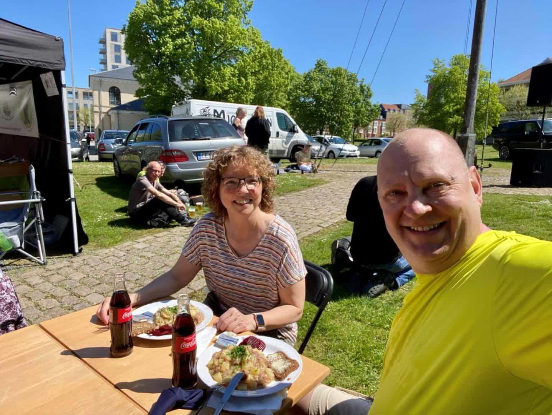 Mads og jeg er altid forbi Odense Marineforening, når der er havnekulturfestival for at spise en omgang skipperlabskovs