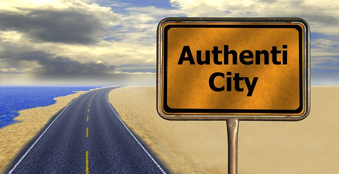 Og hvordan går det så lige med at være autentisk? Ret godt!