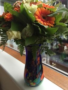 Blomster fra Birgit med glasvase