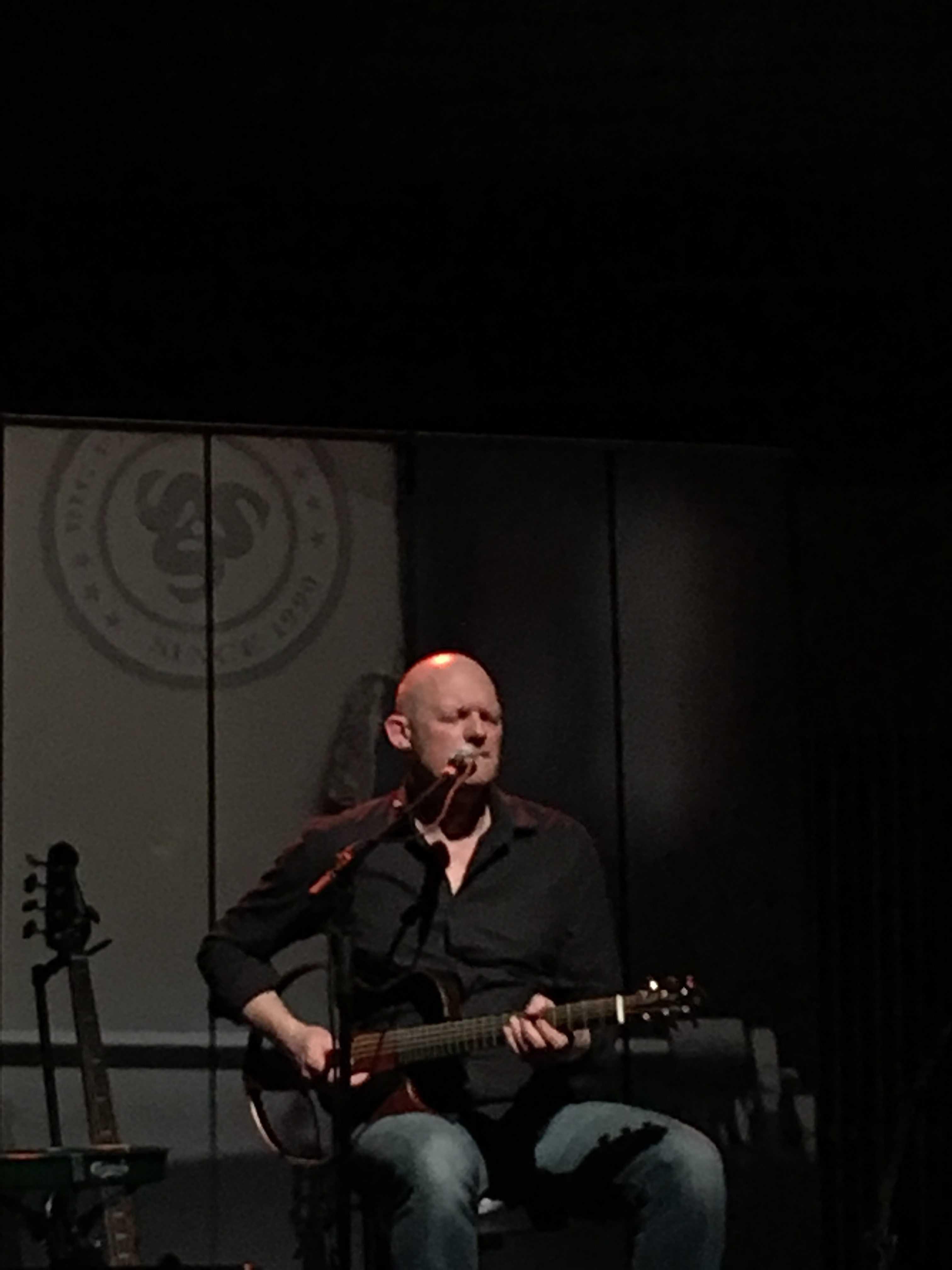 Guitarist Asger Steenholdt