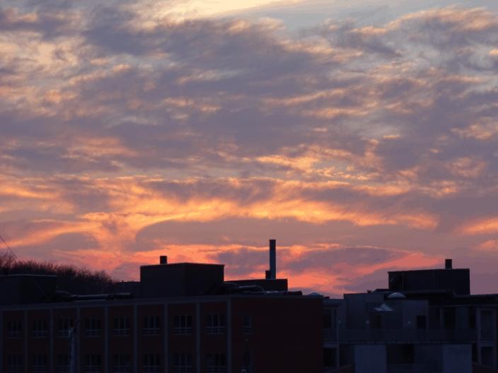 Gylden himmel over Byens Ø