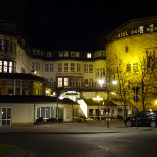 hotel Der Achtermann by night