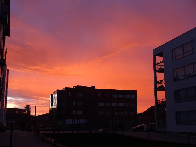 Morgen himmel set fra havnen mod Skibhus