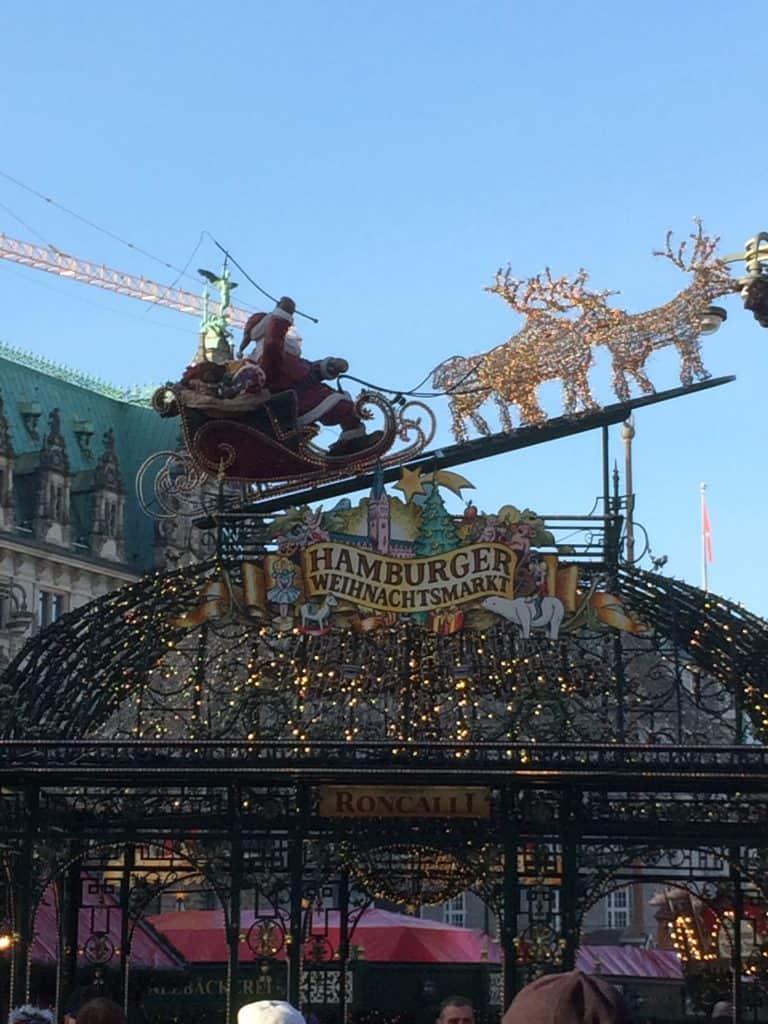 Indgang til julemarkedet på rådhuspladsen