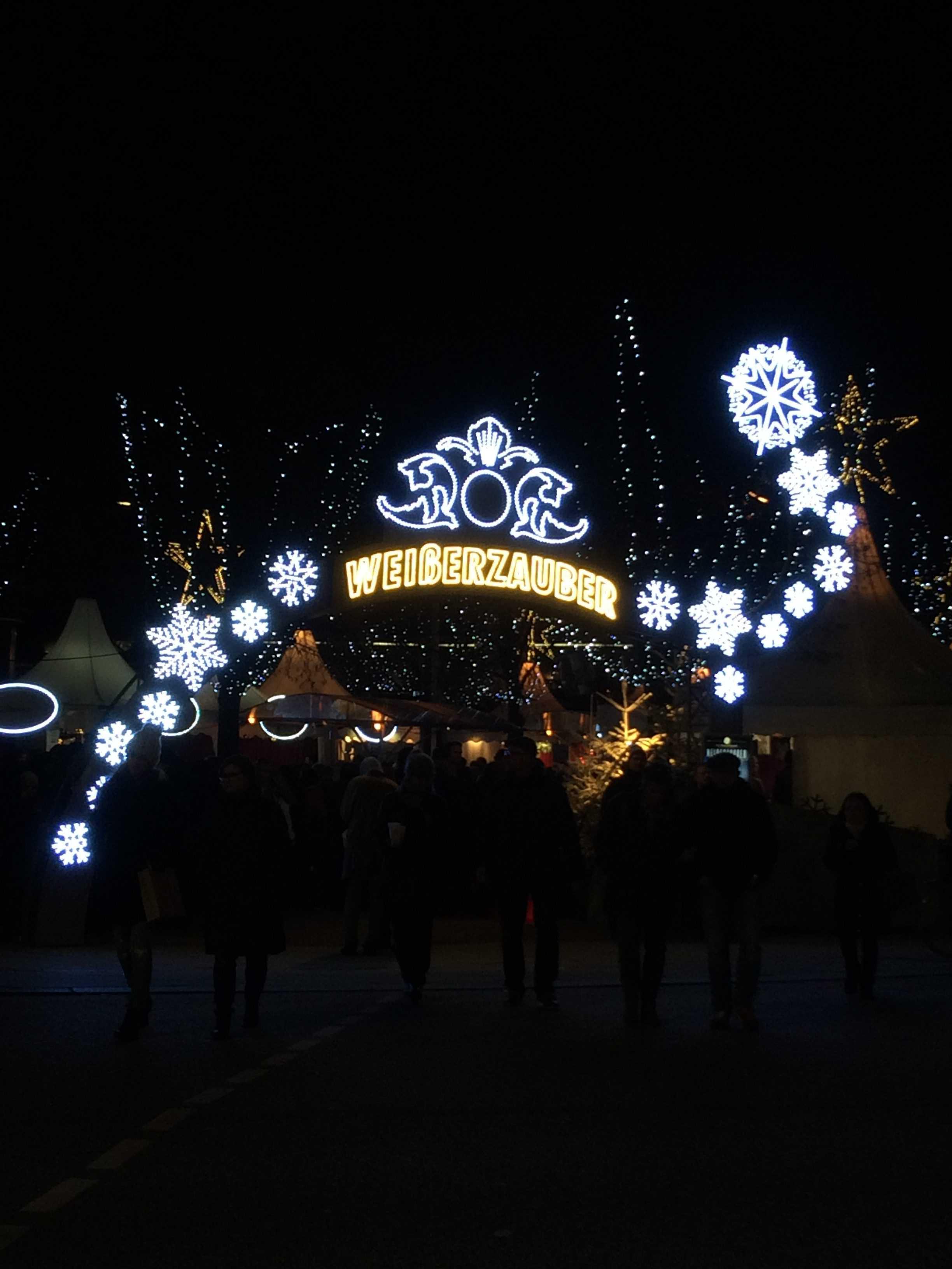 Indgangen til julemarkedet ved Am Alex