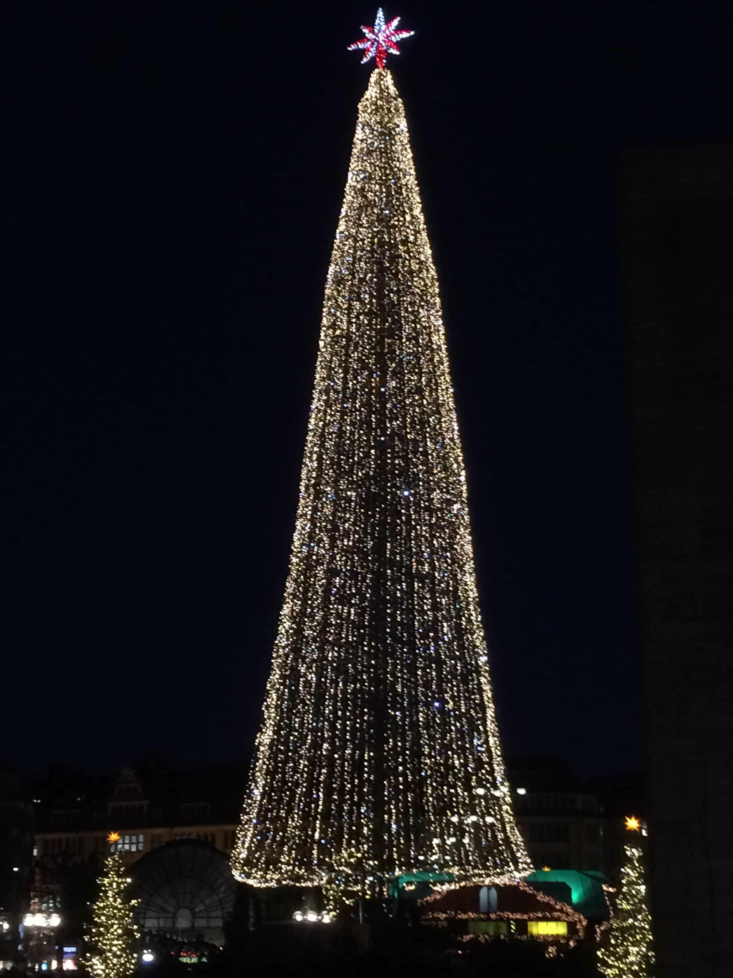 Juletræ på rådhuspladsen