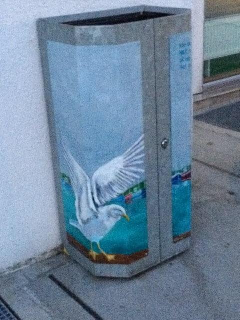 Kunst på affaldsstativet