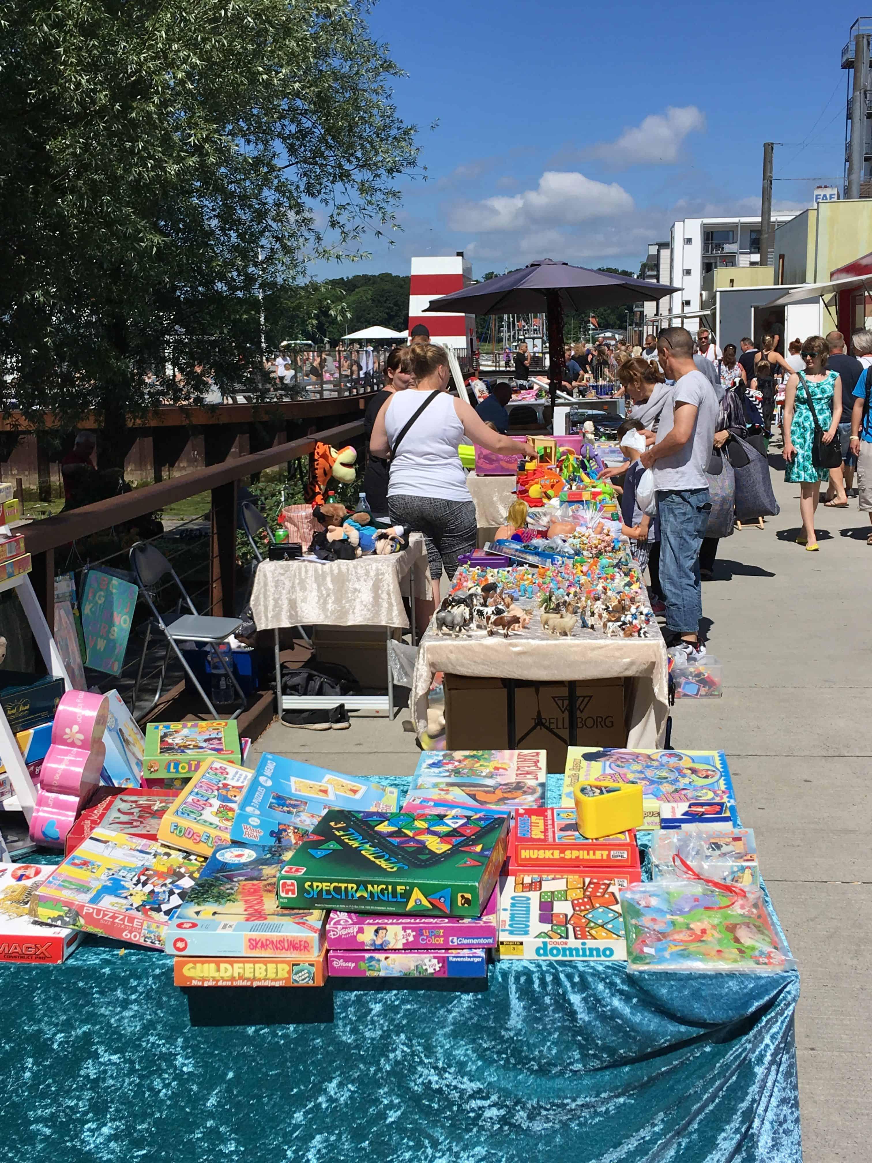 Loppemarked på havnekajen