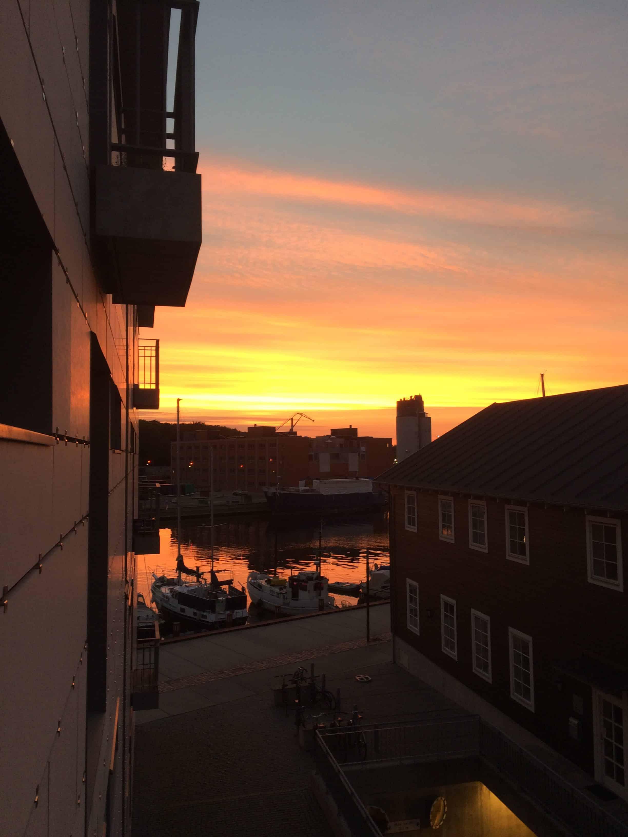 Meget rød himmel over Odense havn