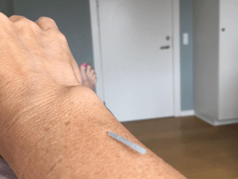 Nål ved håndled