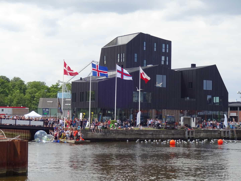 Nordatlatisk hus med flag
