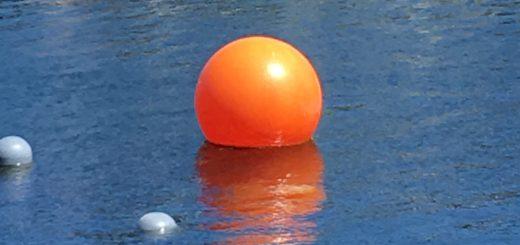 Orange flydebold