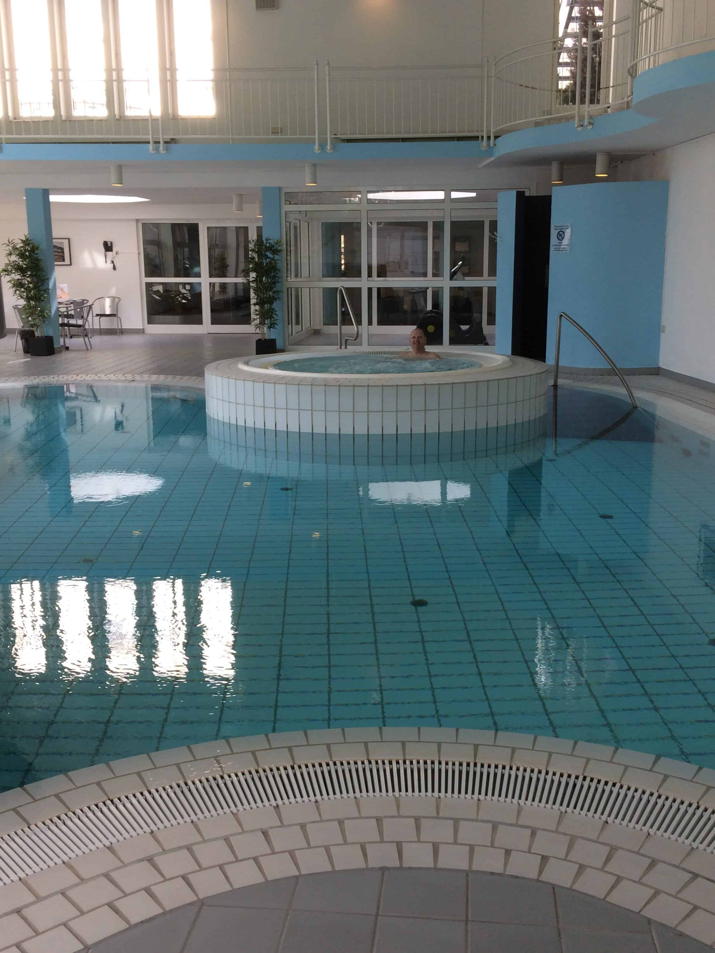 swimming pool og spa